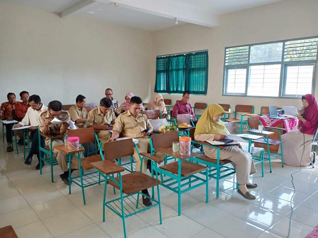 peserta workshop kurikulum tingkat satuan pendidikan