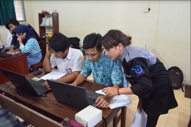 Pelatihan Java Net Bean dan Pembuatan Laporan PKL dari Himpunan Mahasiswa Teknik Informatika Akprind